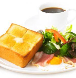 上島珈琲店モーニング「ベーコンエッグ&厚切りバタートースト」